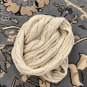 Accessories - Cable Knit Scarf